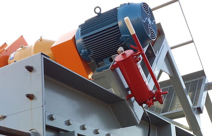 Asphalt Transfer & Slat Conveyors System Equipment | CWMF